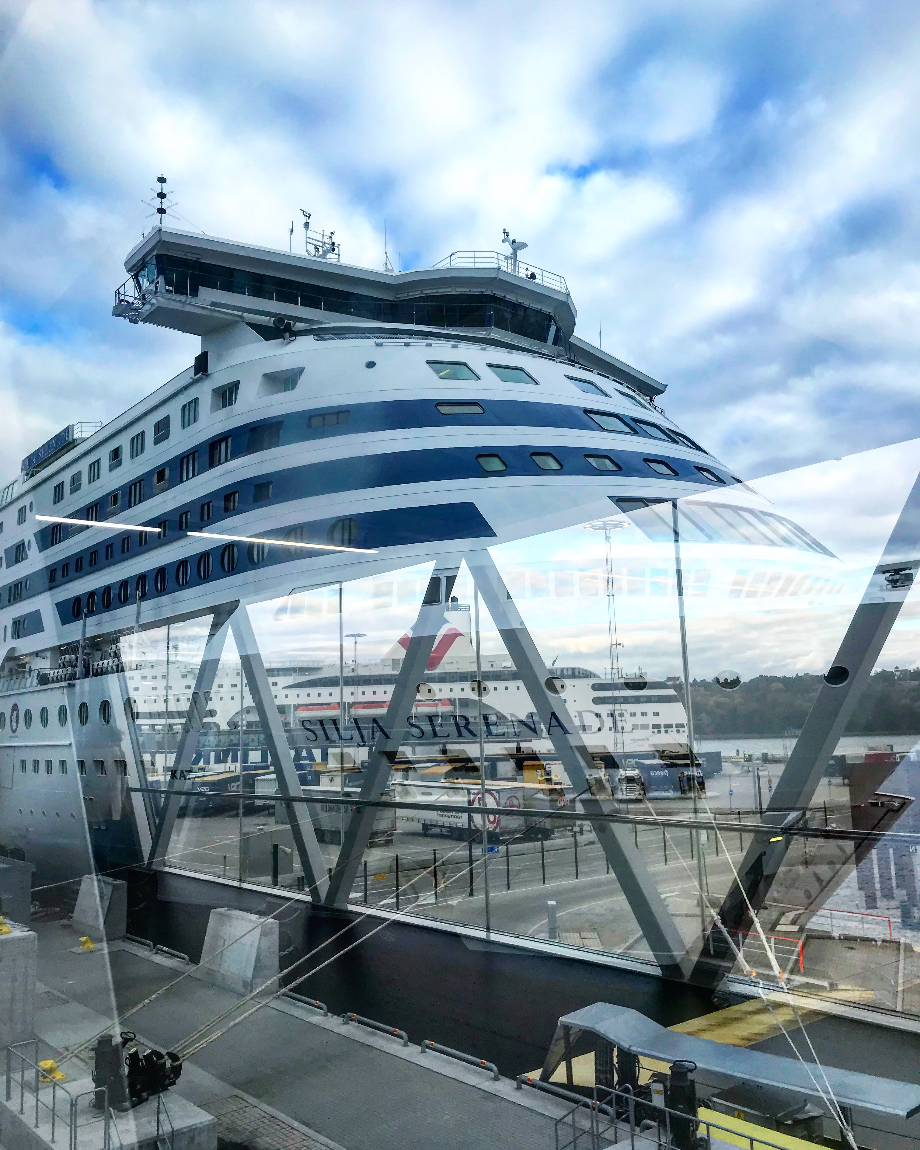 Ferries Silja Line: reviews and photos